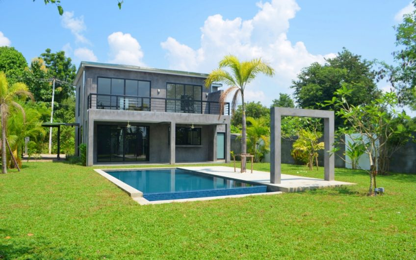 HS002 – Two story house for sale in Namphrae-Hang Dong
