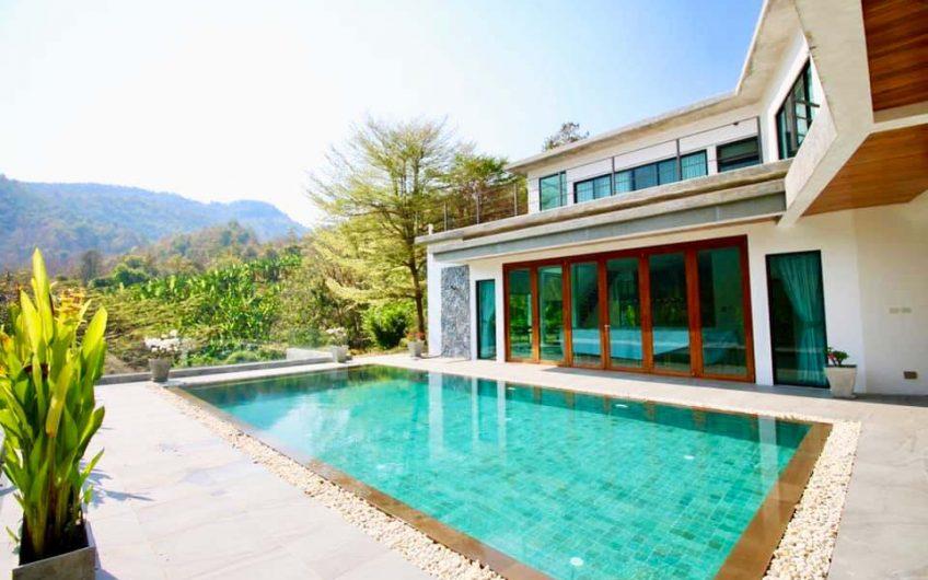 HS007 – Hillside Villa Panoramic Mountain View