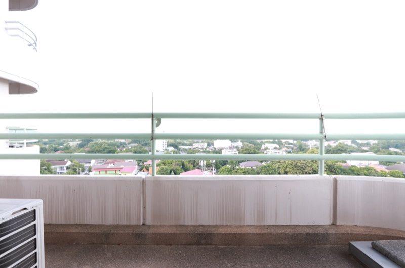 CS014 – 2 Bedroom condo at Floral Condominium for sale