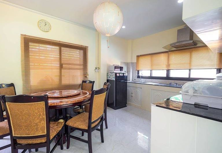 HS034 – Sell ​​/ rent large pool villa in Wang Tan Village