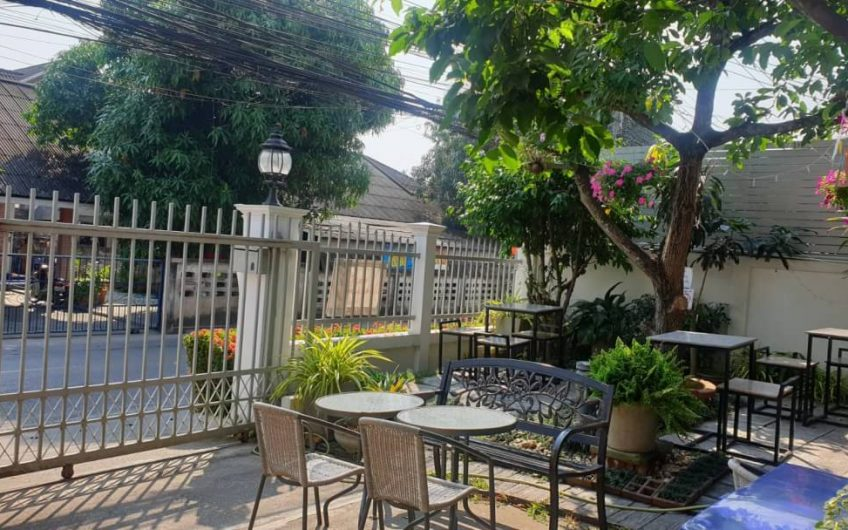 HS035 – House  and restaurant  for sale At Jet Yod.