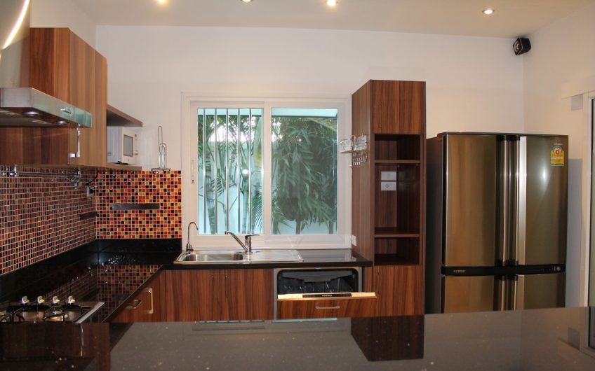 HR001- Single house, 3 bedroom 3 bathroom for rent