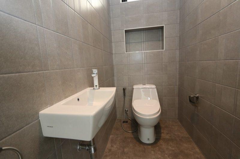 HS038 – A brand new, spacious three bedroom  at Namphrae Villa Park.